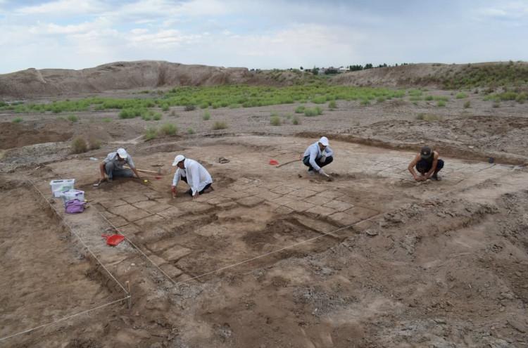 Kat qal'ada antik davrga oid buyumlar topildi